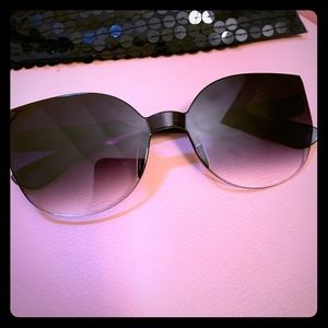 Ombré cateye glasses